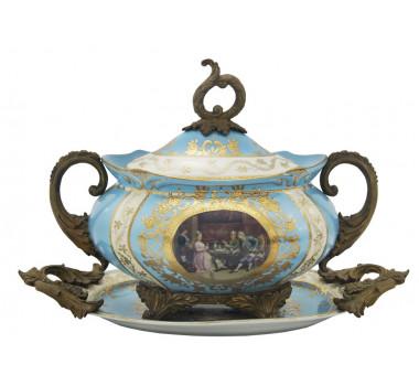 sopeira-com-presentua-em-porcelana-azul-claro-27x40x24cm-5974