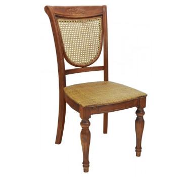 Cadeira em Madeira com Assento Encosto em Rattan