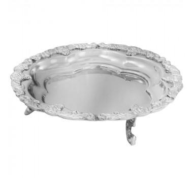 bandeja-decorativa-prateada-produzida-em-metal-com-detalhes-na-borda-6x24cm