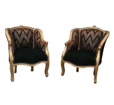 Par de Poltronas Clássica Luis XV em Madeira Tecido Preto