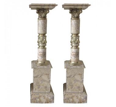 par-de-colunas-em-marmore-crema-com-apliques-em-bronze-114x28x28cm