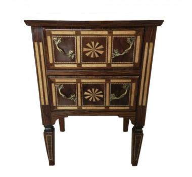 mesa-de-cabeceira-classico-estilo-luis-xvi-em-madeira-marchetado-com-2-gavetas-73x53x39cm