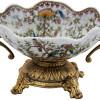 centro-de-mesa-em-porcelana-apliques-em-bronze-19x37x20cm
