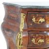 comoda-bombe-com-apliques-em-bronze-e-tampo-em-marmore-67x74x40cm